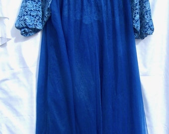 Vintage BABYDOLL Peignoir Set  Lace Chiffon Mad Men Blue