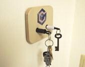 Nintendo GameCube Plug Key Chain Holder Organizer - Real controller Plugs