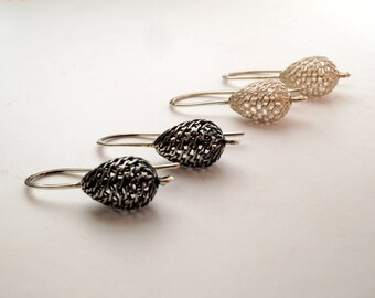 Silver oxidised filigree drop earrings // dangling lattice work earrings // silver filigran teardrop earrings // gifts for her