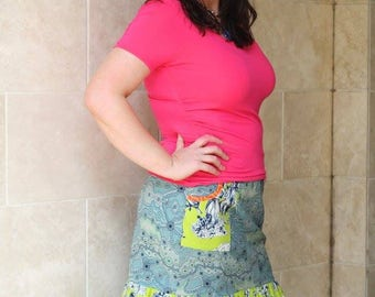 L. Blue and green pencil skirt, with ruffle and pockets, size Large women's.