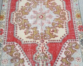 Vintage Oushak Rug / 4 by 7 / Muted / Pastel / Red-Mint / Boho / Low-Pile / Distressed Rug - 85 in x 50 in