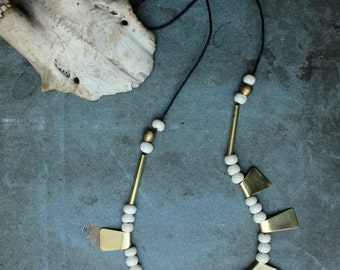 HENOKO necklace - brass and bone