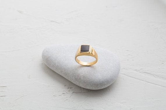 gold siegelring mannes platz siegelring eboney holz ring. Black Bedroom Furniture Sets. Home Design Ideas