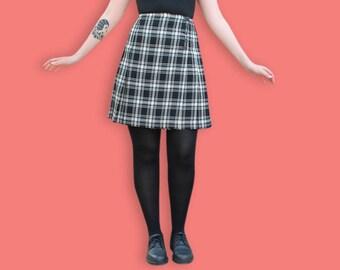 90s Mini Tartan Skirt - Black & White Pleated School Girl Skirt - Punk Plaid Wrap Skirt - Grunge Buttonned Skirt - Clueless Tartan Skirt