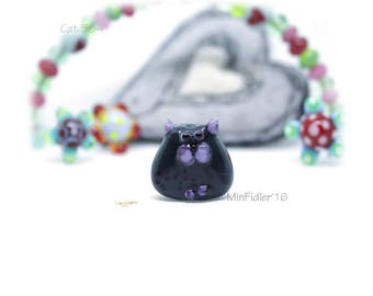 Glass cat Bead 584