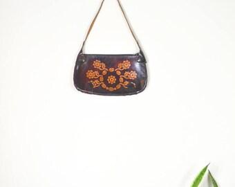 vintage tooled leather purse // glazed Indian handbag // 90s shoulder bag