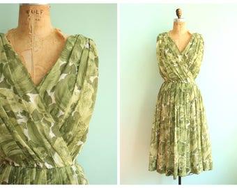 Vintage 1950's Sage Green Floral Dress | Size Medium