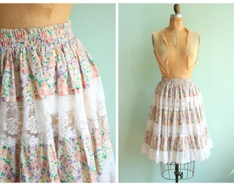 Vintage 1970's Floral and Lace Ruffled Skirt | Size medium