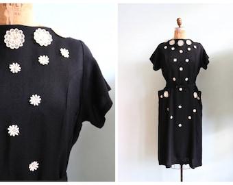 RESERVED || Vintage 1950's Daisy Applique Linen Dress | Size Large