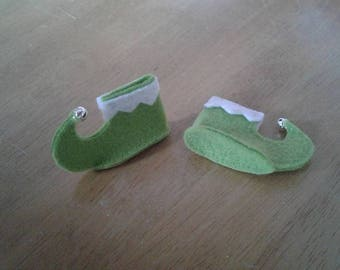 Felt elf doll shoes in green with bells