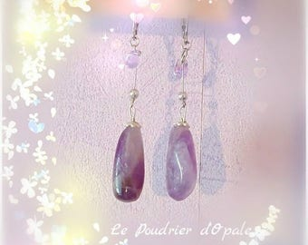 Earrings 'Amethyst' in Silver 925/1000 and small glass beads purple Rainbow