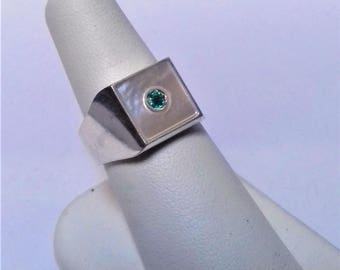 emerald ring crafted in Sterling Silver 925 square mother-of-Pearl fi