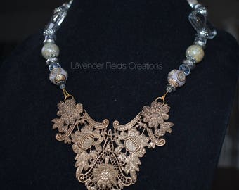 Ivory and Gold Statement Necklace (201813N)