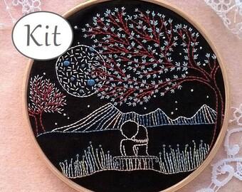 kit de broderie traditionnelle - motif de broderie - tutoriel de broderie - Loving Moonlight - Amoureux au clair de lune - broderie débutant