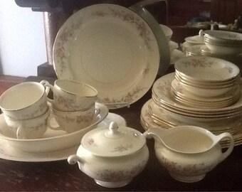 Vintage, Homer Laughlin, Ferndale, Eggshell Nautilus, Cashmire, four 7 piece place settings, 4 serving pieces