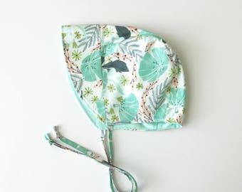 floral baby bonnet // baby sun bonnet // reversible bonnet // baby hat // baby sun hat // sunbonnet // mint floral bon