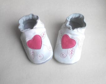 hearts baby booties, baby girl shoes with heart, leather moccasins, white shoes baby, infant soft sole, summer baby shoes, babyshower
