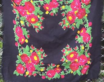 russian shawl, babushka scarf. russian shawl. Vintage  Shawl.Russian Scarf .floral scarf. Russian Floral Shawl,Made in USSR.head scarf,