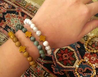 CHOOSE YOUR COLOR Cross Bracelet