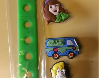 Mystery Machine Jibbitz Croc Charm Bracelet 18cm with 3 charms Great Birthday Gift free shipping Clearance Sale Item Daphne Shaggy