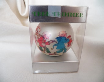 "Vintage 1973 Hallmark Glass Ball ""Santa with Elves"" - XHD1015"