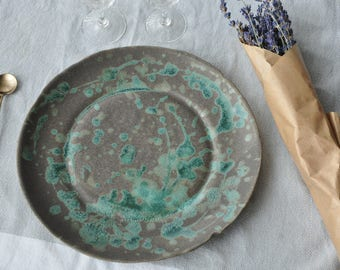 """New Grey and Green """"Paper Plate"""""""