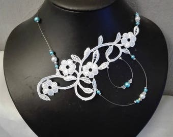 Bridal necklace wedding white lace, pearls/nightblue turquoise / clear ceremony evening parties