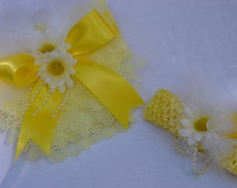 Yellow Daisy and Lace Diaper cover and Headband Set, Newborn photo props, Diaper cover set