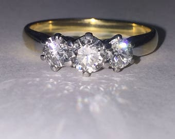 Vintage Three-Stone Diamond Ring (0.85ct in total) in 18K White & Yellow Gold.
