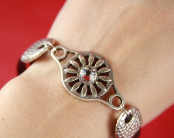 10/7 MADE in EUROPE zamak flower connector with Swarovski crystal, bracelet sunflower connector with Swarovski crystal (77054/00z2) qty 1