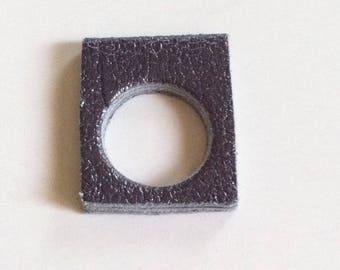 Ring KUBE gunmetal grey leather