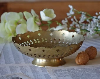 Vintage brass bowl - Decorative ornate brass bowl