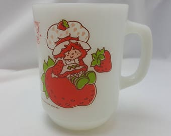 Vintage Milk Glass Anchor Hocking Fire King Strawberry Shortcake Mug (1-Mug) Free Shipping