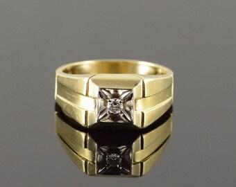 10k 0.07 CT Diamond Inset Bling Men's Ring Gold