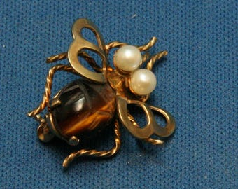Vintage Winard Gold Filled Pearl Bug Insect Fly Pin Brooch