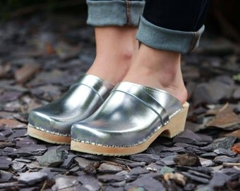 Swedish Clogs Classic Silver Leather by Lotta from Stockholm / Wooden Clogs / Handmade / Mules / Low Shoes / Scandinavian / Made in Sweden