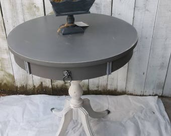 Vintage Drum Table Duncan Phyfe Round Accent Table French Country Farmhouse End Table Shabby Chic Gray Side Table Cottage Chic Furniture