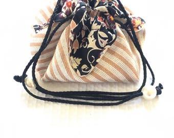 Travel / 11cm jewelry pouch.