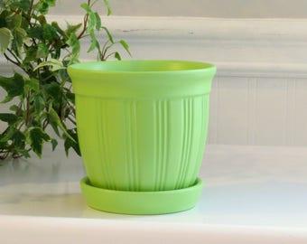 Flower pot - small round flower pot - green flower pot - gift for gardener - plant container - plant pot - small flower pot - spring garden