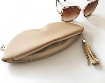 Beige glasses case, sunglasses case, vegan leather glasses holder, eco leather pouch, zipper women purse, eyeglasses case, women bag