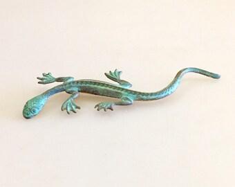 1990s Green Metal Lizard Pin // Lizard Jewerly // Reptile Lover Accessories // Gecko Pin // Salamander Pin