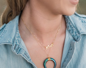Cresent moon/horn Necklace
