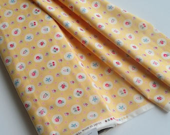 1/2 yard Yuwa Atsuko Matsuyama Japan - Fancy Scallop - Yellow - # AT826284