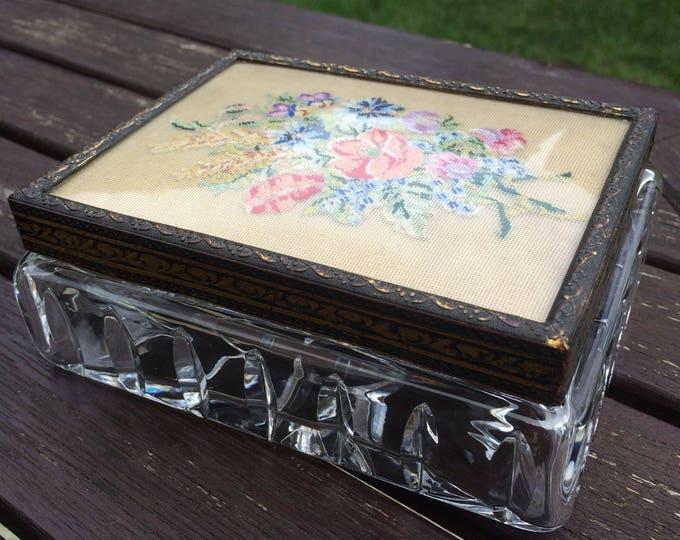 Petit Point Crystal Trinket Pot, Clear Glass Jewellery Box, Filigree Brass Lid, ECHT Bleikrystall Handgeschliffen RAL Nr 520A2, Immaculate