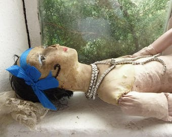 Super rare .... antique boudoir doll with glass eyes and real eyelashes, France....CHARMANT!