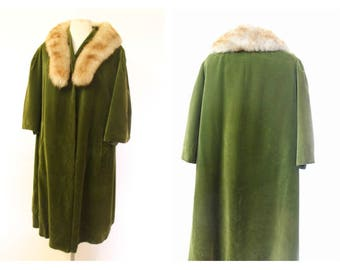 Early 50's Moss Green Velvet Fur Trim swing Coat/jacket