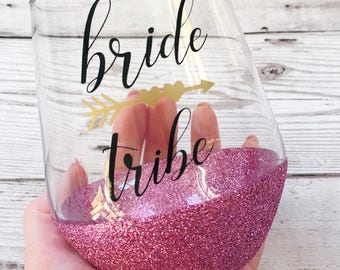 Personalised Bride Wine Glass - Bridal Party Gift - Wedding Glasses - Glitter Glasses - Stemless Wine Glass - Bride Tribe - Hen Party Glass