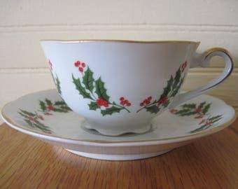 Tea Cup Holly Pattern - Item #1438