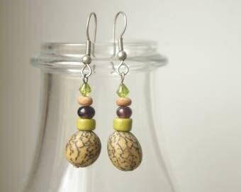 Sanded nutmeg and pearls earrings