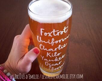"""Décalque """"Foxtrot uniform charlie kilo yankee oscar uniform"""" pour coller sur une tasse, un verre, etc"""